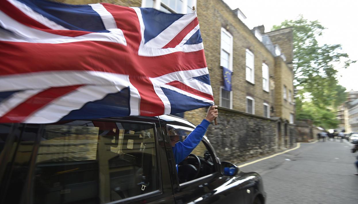 Британия, на выход!